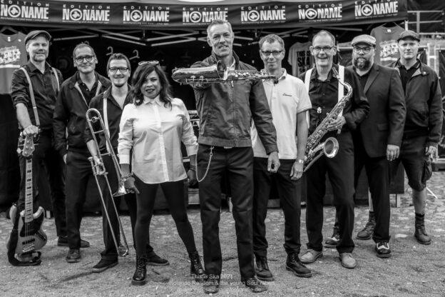 (c)amory@salzmannfotografie.de - Rolando Random & The Young Soul Rebels - This Is Ska Festival Wasserburg Roßlau 2021